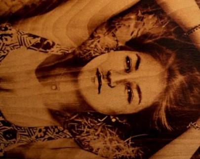 портрет на дереве на заказ в Краснодаре